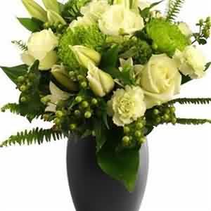 Mis kokulu lilyumlar ve güller
