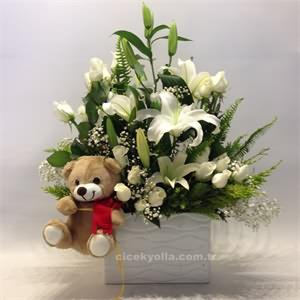 Sade Güzel Lilyum ve Güller