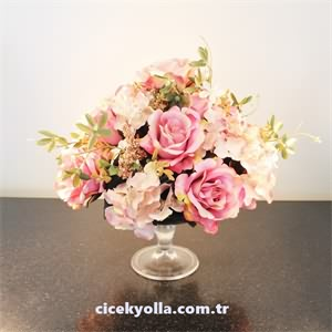 Cam Tabak İçerisinde Yapay Pastel Güller