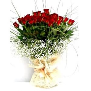 Sevgiliye 50 Kırmızı Gül Buketi