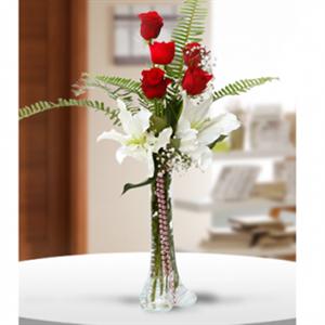 Flüt İçerisinde Güller ve Lilyum