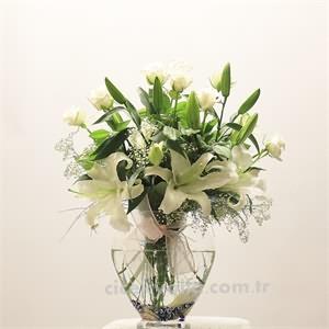 Mevsimlik çiçekler Lilyum