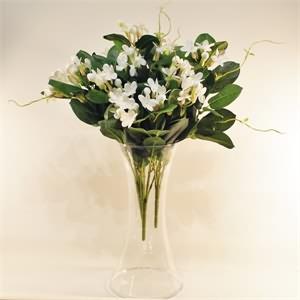 Cam Vazo İçerisinde Yapay Yasemin Çiçeği