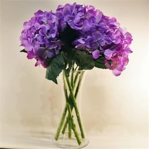 Cam Vazo İçerisinde Ortanca Lila Yapay Çiçek Aranjmanı