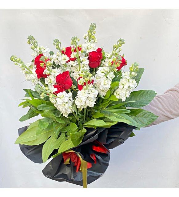 Kırmızı Güllü Şebboy Buketi